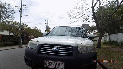 Subaru Forester 2006 with sunroof and leather seats