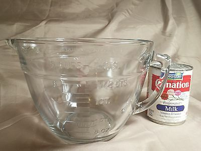 The Pampered Chef Batter Bowl 2 Qt / 8 Cup Measuring / Pitcher / Mixing Bowl