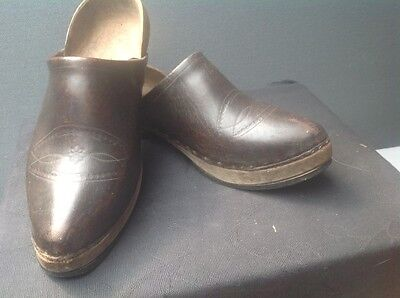 Excellent Pair Of Antique Wood And Embossed Leather French Clogs Sabots Sz 8