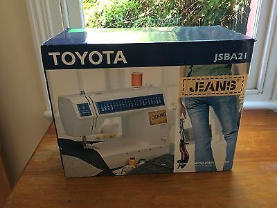 """Toyota """"jeans"""" Sewing Machine"""