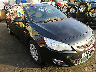 2011/61 Vauxhall Astra J Mk6 Exclusiv 1.6 Petrol A16Xer Breaking For Parts