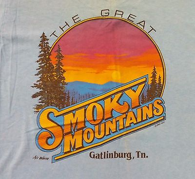 Vintage 80s The Great Smoky Mountains Gatlinburg Tennessee T-Shirt Adult M