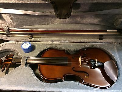�� Stentor Student I Violin Outfit (violin, bow, Graduate case, resin) 3/4 size