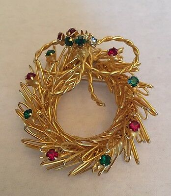 Vintage? Gold Tone Wire Wreath w Colored Rhinestones Christmas Brooch Pin EC