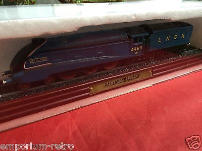 atlas edition a4 class mallard engine & tender fixed to wooden plinth boxed