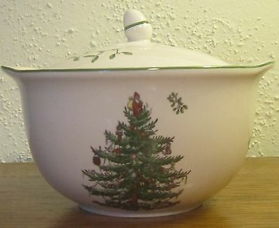 Spode CHRISTMAS TREE Casserole Dish with Handle 20 oz. New In box