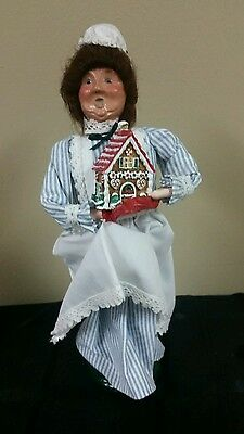 "1997 Byers Choice Lady w/Gingerbread House ""The Carolers"""