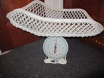 ANTIQUE BABY SCALE WITH WICKER BASKET 25 Pounds