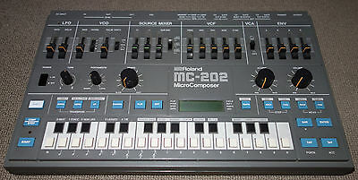 Roland MC-202 MicroComposer Synthesizer - Vintage