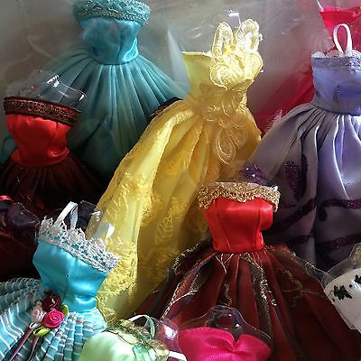 ^◎^ 12 〓 (4 clothes+4 shoes + 4 hangers) for Barbie Doll M59uu336