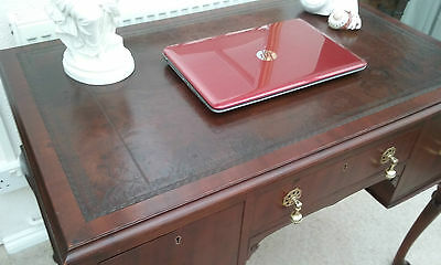 Vintage Mahogany Leather Topped Writing Desk / Table