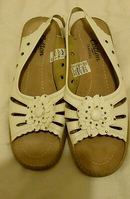 Comfy sandals from cotton traders size 7