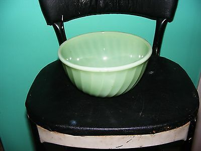 """Fire King Oven Ware Jadeite Swirl 7"""" Mixing Bowl GREAT! USA"""