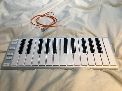 CME Xkey 25 USB MIDI Keyboard (Silver) Boxed