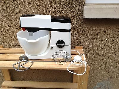 Kenwood Chef A901 food mixer and attachments