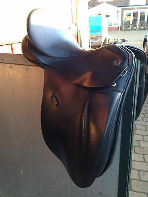 Keiffer Malmo Dressage saddle Black Leather 17 inch Very Good Condition