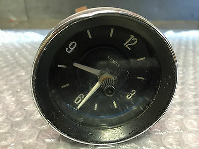 Classic car clock gauge