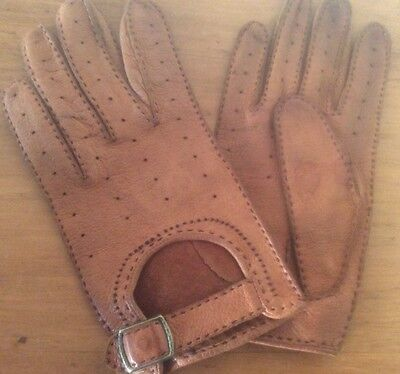 1960s Vintage ladies Tan Leather Driving Gloves size Small
