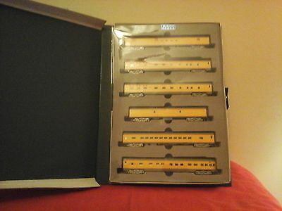 Kato N Scale Union Pacific Smooth side Passenger Car Set #106-014