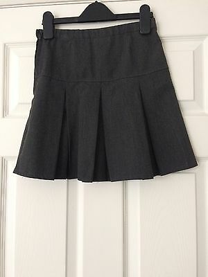 Next Girls Grey Pleated School Skirt Age 9 Years / Height 134cm