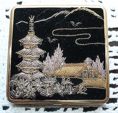 Vintage Queen Star Compact - Asian Theme