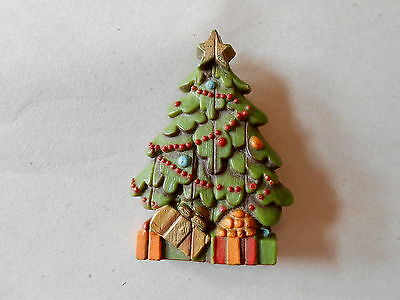 Vintage Wood Look Plastic Christmas Tree Pinback Brooch Pin