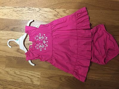 Carters Baby Girl 2 Pc Set , Dresses And Panties Size 9 Months