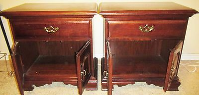Vintage Pair Thomasville Solid Cherry Traditional Nightstands Side End Tables #2