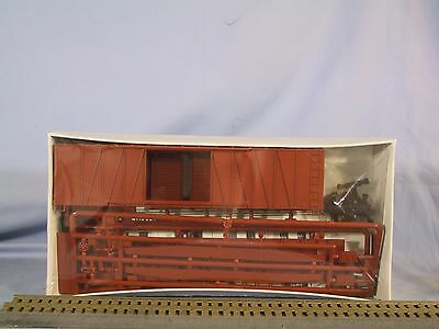 HO 2 Walthers Undecorated Un dec outside braced Automobile Boxcar Kits