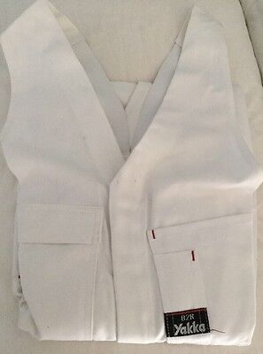 Hard Yakka Overall Action Back White. Size 82R. Brand New.