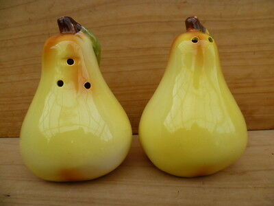 Vintage Old Pear, Fruit Salt And Pepper Shakers, S+P (C223)