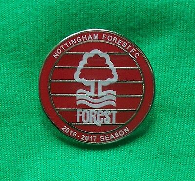 Nottingham Forest Fc - 2016 - 2017 Season  - Supporters Club Badge