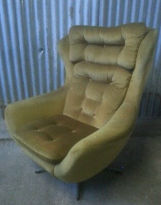 Mid Century Retro / Vintage Swivel Chair