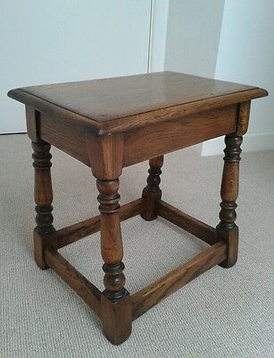 SOLID OAK JOINT STOOL SIDE TABLE Excellent Condition