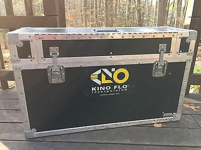 """LAST ONE Genuine Kino Flo 2' Gaffer Case Actual Interior is 32"""" 2 bank 4 1 bank"""