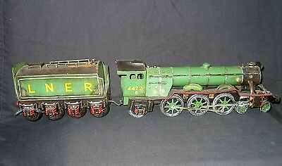 "LARGE 26""  TINPLATE FLYING SCOTSMAN LOCO by LESSER & PAVEY"