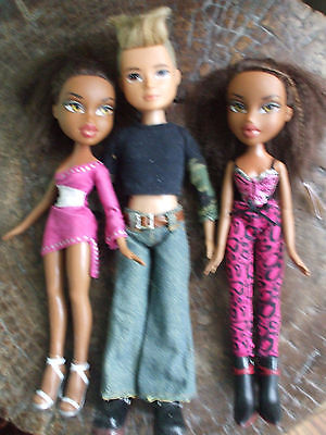 2 Ethnic Bratz dolls and Boyz with clothes and shoes.