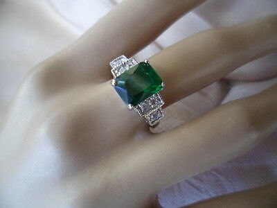 Antique Vintage White Gold Dress Ring with Emerald Green and White stones size 9