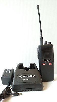 Motorola Sp-50 Uhf 465-490 Mhz Antenna Battery Charger P4Yqt20G3Aa