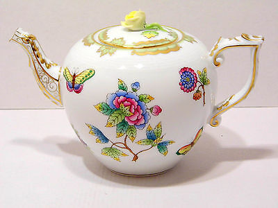 Herend Queen Victoria Teapot,yellow Rose Lid End,brand New Boxed,30Fl Oz Hold