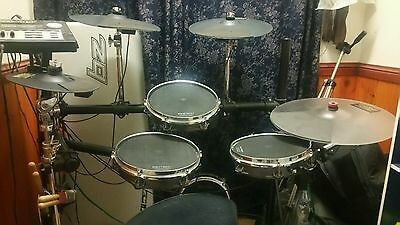 Pintech EZv2 4 Piece 4 cymbals Electronic Drum Kit great condition