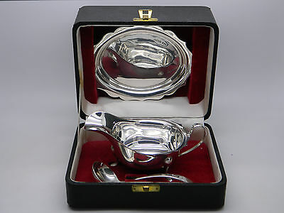 1963 - Cased Set of Solid Sterling Silver HM Sauce Boat Tray & Ladle - Viners Ld
