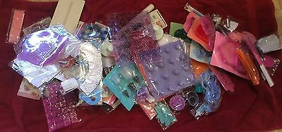 Over 120 job lot cake decorating Items... Moulds, Icing Nozzles, Stencils