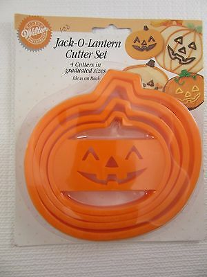 WILTON Jack-O-Lantern Halloween Set of 4 graduated Cookie Cutters (1994)