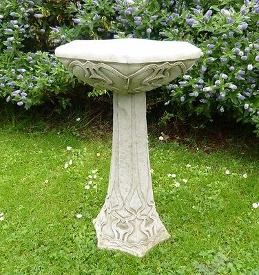 Stunning Art Deco Bird Bath / Feeder Garden Ornament Statue Stone Cast Nouveau