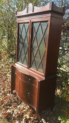 Antique 1900-1950 Solid Mahogany Chippendale Style Corner Cabinet With No Shelve