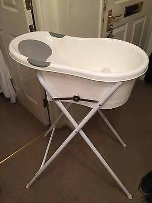Tippitoes baby bath & stand