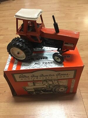 Allis Chalmers Ac-7045 1/16 Scale Die Cast Tractor Opened Box Stock. 2000 Anniv
