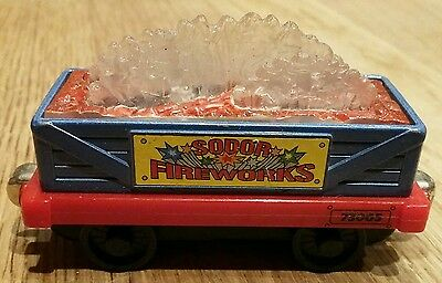 thomas take and play fireworks car/carriage
