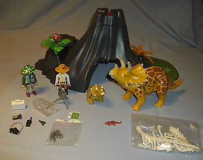 Playmobil 4170 Triceratops with baby. (Complete)